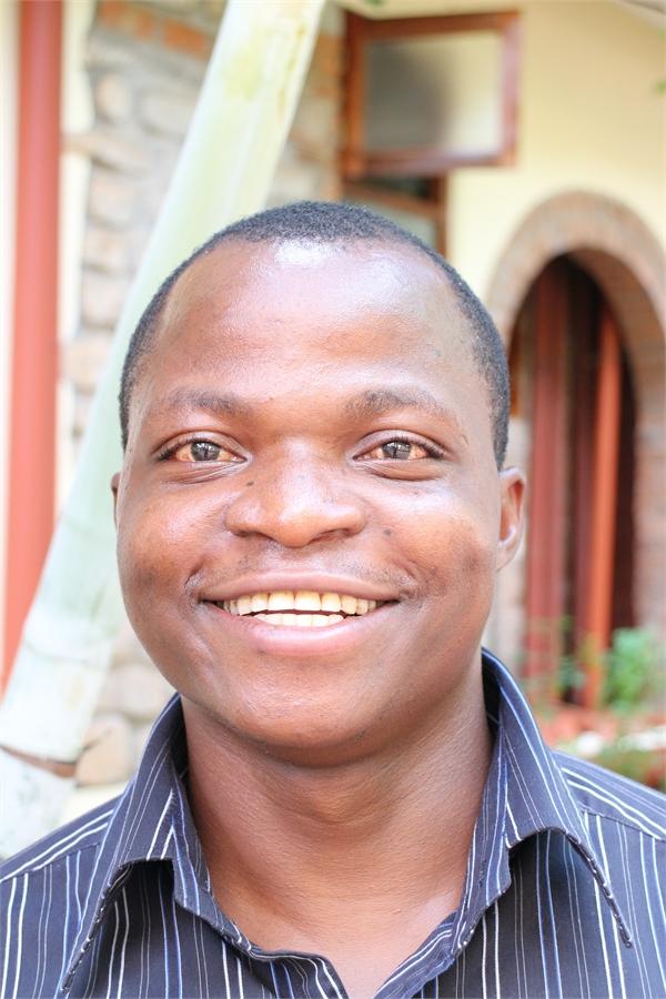 Emmanuel Mbaji Mruu - Kenya