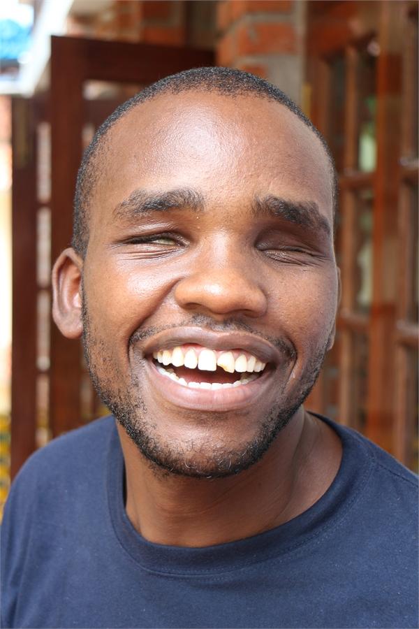 Robert malunda - Zimbabwe